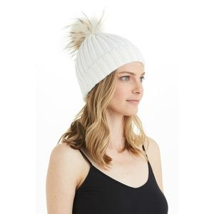 💕LOVE TOKEN💕 White Fox Fur Knit Pom Pom Beanie